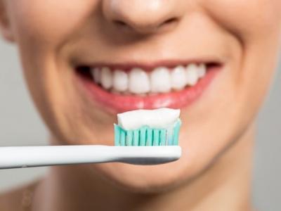 Kem Tẩy Trắng Răng